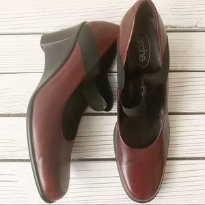 Arche Burgundy and Black Round Toe Wedges Sz 10